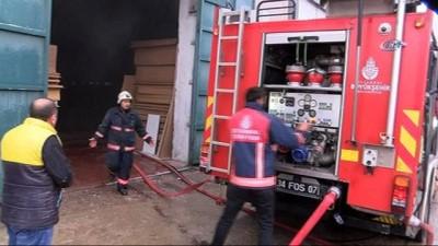 Ümraniye'de kereste fabrikasında yangın paniği