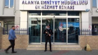 Antalya'da FETÖ/PDY operasyonu: 2 gözaltı