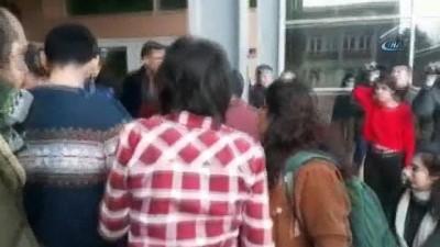 Kadın öğrencilerle güvenlikçiler arasında arbede