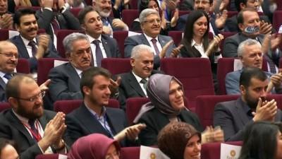 Cumhurbaşkanı Erdoğan: 'Eline tutuşturulan kağıtların ne olduğunu anlamıyor bile. Geçen gün başbakanımız onun hesap uzmanlığını silkeleyip eline verdi'