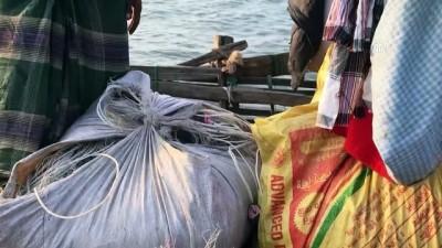 Bambudan tekneyle okyanusta 'ekmek' kavgası - COX'S BAZAR