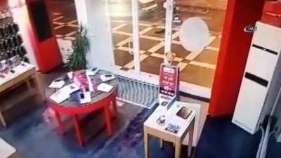 Cep telefonu hırsızlığı güvenlik kamerasında