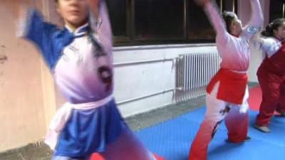 İç savaştan kaçtıkları Türkiye'de Wushu Taoli sporunu öğretiyorlar