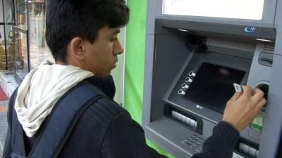 19 yaşındaki genç öğrenci hesabına yanlışlıkla yatırılan paranın sahibini arıyor