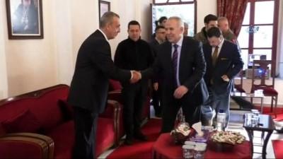 Aşiret liderleri, Esad rejimi ve tüm terör örgütlerine karşı birlik beraberlik içerisinde hareket etme kararı aldılar