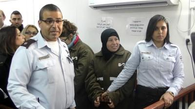 Filistinli Ahed Temimi ve ailesinin gözaltı süresi 4 gün daha uzatıldı - RAMALLAH