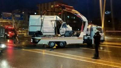 Minibüs takla attı:3 yaralı