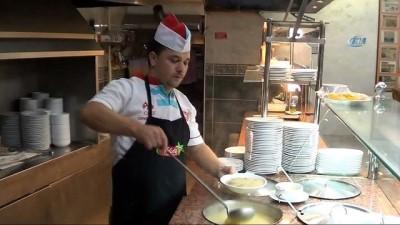 Bu çorba tam 15 saatte pişiyor