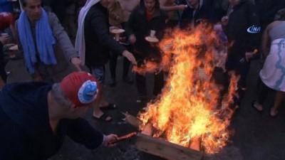 2018'i Boğaz'ın serin sularına girerek kutladılar