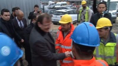 Başbakan Yardımcısı Çavuşoğlu, şehir hastanesini inceledi