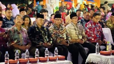 Endonezya'da 437 çiftin toplu nikah töreni - CAKARTA