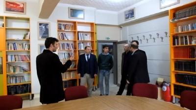 Öğretmen-öğrenci işbirliğiyle 20 yıllık okul yenilendi