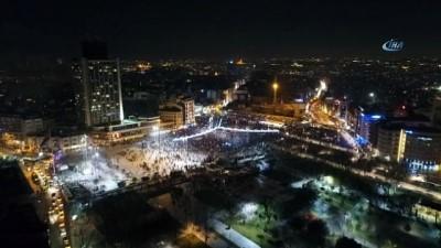 Taksim Meydanında yeni yıl coşkusu havadan görüntülendi