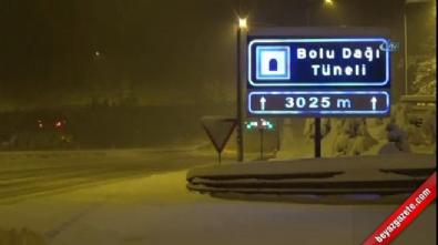 Bolu Dağı'nda yoğun kar yağışı etkili oluyor