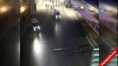 Polislere saldırı anı kamerada