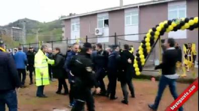 Şampiyonluk maçında tribünden sahaya inen başkan futbolcu dövdü