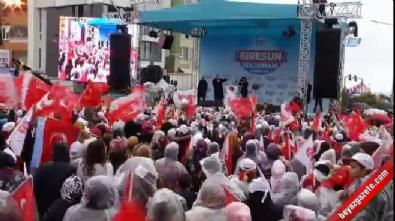 Cumhurbaşkanı Erdoğan 15 Temmuz gazisini alnından öptü