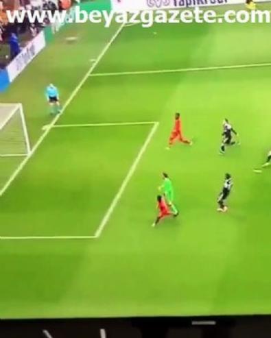 Melo'dan çıldırtan paylaşım! Beşiktaş karşısında Lyon'a büyük destek...