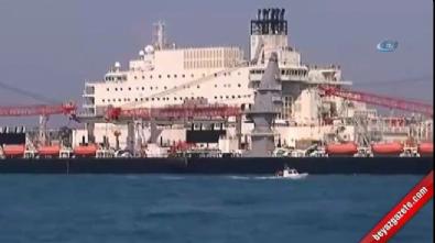 Türk Akımı için gelen dev gemi, İstanbul Boğazı'nda