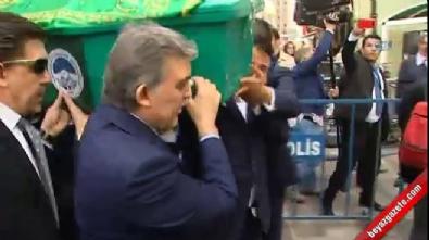 Abdullah Gül, Babasının Tabutuna Omuz Verdi