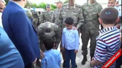 Genelkurmay Başkanı Orgeneral Akar bayram namazını Siirt'te kıldı