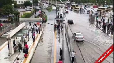 İstanbul sağanak yağışla uyandı