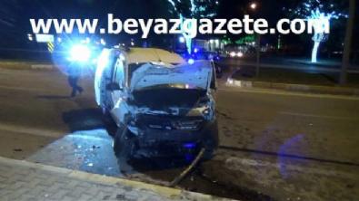 polis ekipleri - Karaman'da trafik kazası: 1 ölü, 9 yaralı