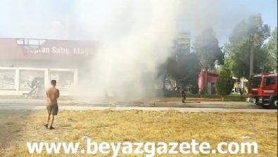 polis ekipleri - İzmir Bayraklı'da korkutan market yangını!