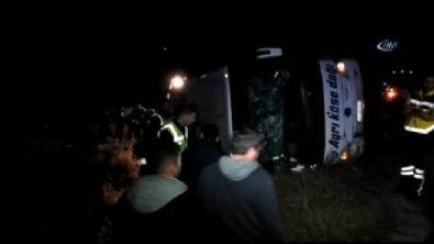 Yozgat'ta yolcu otobüsü devrildi: 3 ölü, 43 yaralı