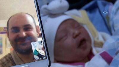 2018'in ilk bebeği babasıyla böyle kavuştu