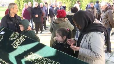 Başbakan Yıldırım, öğretmeninin cenazesine katıldı - İSTANBUL