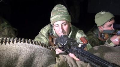 guvenlik gucleri - Mehmetçik ve güvenlik korucuları yeni yılı nöbette karşıladı - MUŞ