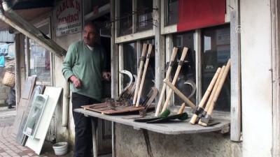 Turhan ustanın demirle 65 yıllık dostluğu - BARTIN