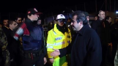 guvenlik gucleri - Vali Güzeloğlu, güvenlik güçleri ile vatandaşın yeni yılını kutladı - DİYARBAKIR