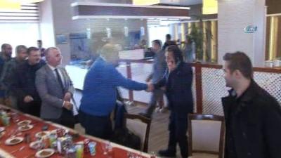 Başkan Dr. Şadi Yazıcı, gazetecilerle bowling oynadı