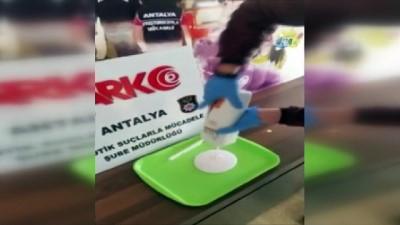 Şampuanın içine kattığı yarım kilo esrarla bin 124 kilometre yol kat etti, Antalya'da yakayı ele verdi