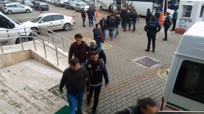 Zonguldak'ta FETÖ/PDY soruşturmasında 16'sı muvazzaf 24 asker adliyede