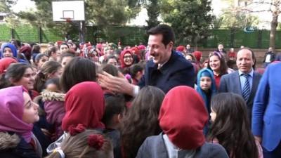 Başkan Tok'tan okula halı saha
