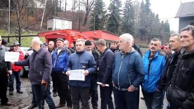 Bosnalı bir grup madenci açlık grevine başladı - ZENİCA