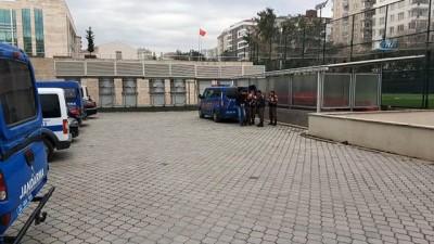 Okulda kavga çıkaran 3 kişi gözaltına alındı