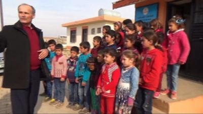 Şehit öğretmen Necmettin Yılmaz'ın babası oğlunun görev yaptığı okulda ders verdi