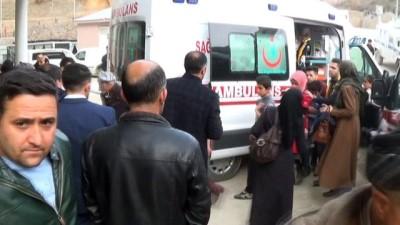 Şemdinli'de 100'den fazla öğrenci hastanelik oldu