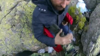 Uludağ'da mahsur kalan 3 kişinin kurtarıldığı nefes kesen operasyon kamerada