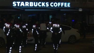 Başkentte başına silah dayayan kişi kendisini kafeye kilitledi