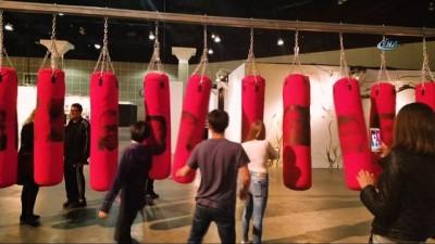 Los Angeles'ta L.a. Art Show 'Çeşitlilik' Teması İle Başladı