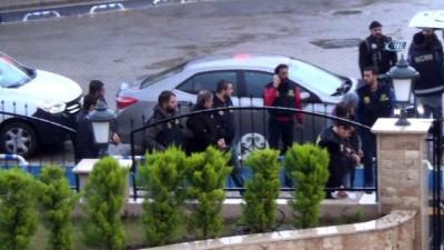 Yurtdışına kaçmaya çalışan 5 FETÖ'cü yakalandı