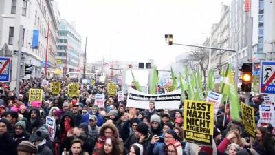 Avusturya'da 60 bin kişi yeni hükümeti protesto etti - VİYANA