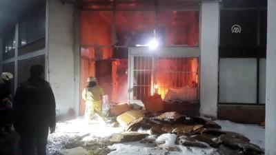 İkitelli'de depo yangını - İSTANBUL