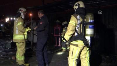 Kağıt toplayıcılarının barındığı konteynerde yangın: 3 ölü - İSTANBUL