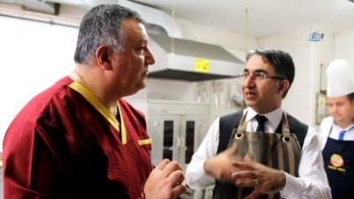 Geleneksel Türk Mutfağı için Havran Kaymakamı Aydın mutfağa girdi